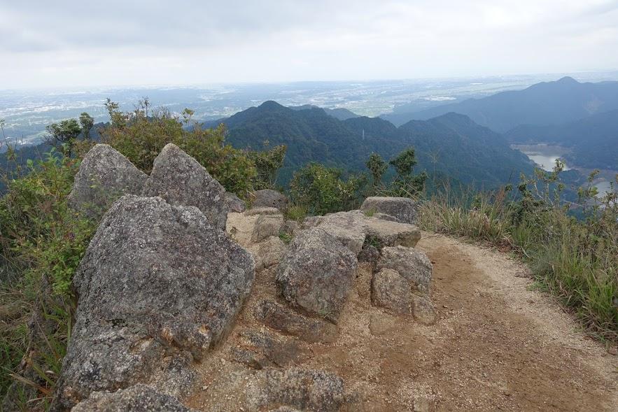 三重 錫杖ヶ岳 山頂は狭い