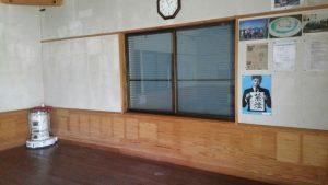 三重 経ヶ峰山頂避難小屋 室内