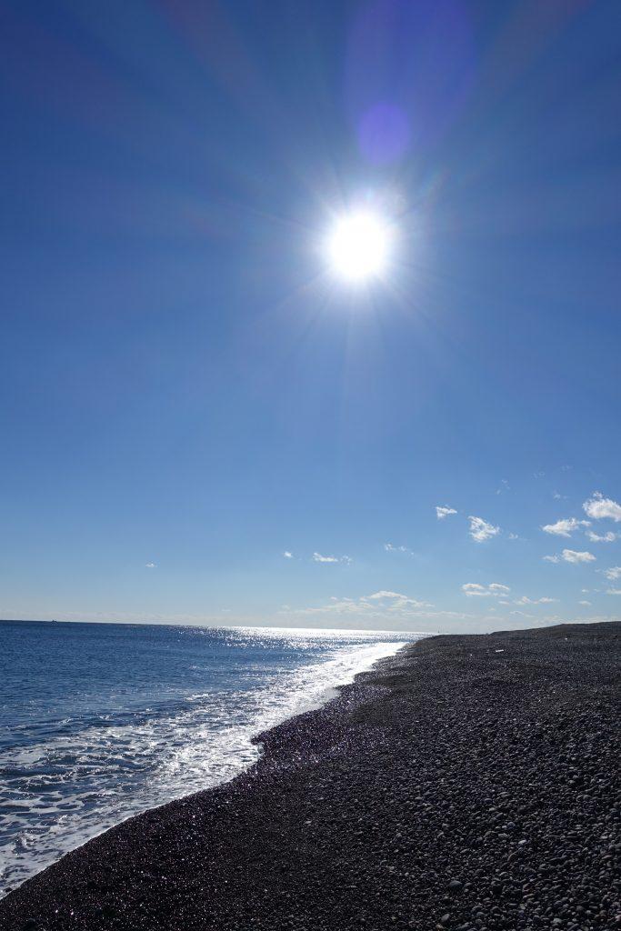 三重 七里御浜と太陽