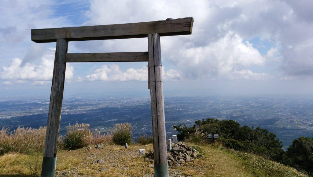 三重 入道ヶ岳山頂の鳥居