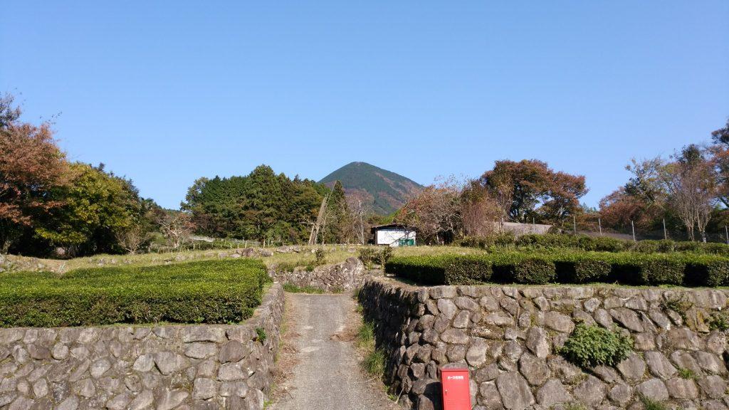 三重 駐車場から眺める大洞山