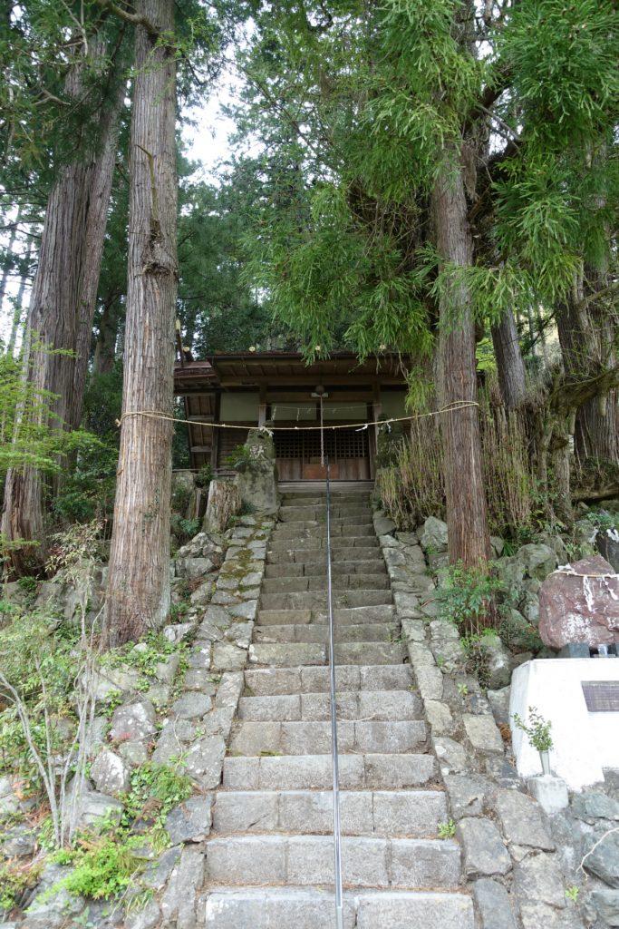 東京本仁田山 熊野神社